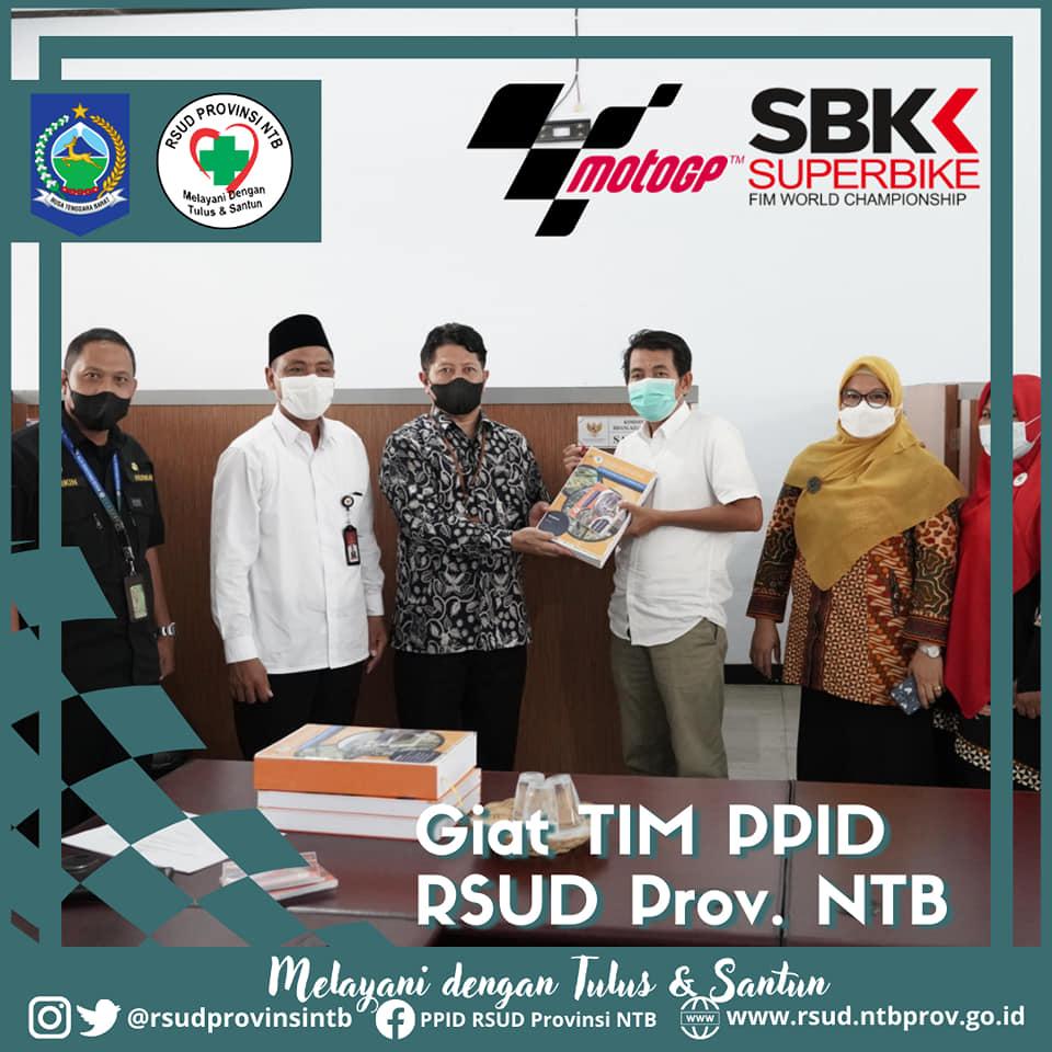 Tim PPID RSUD Provinsi NTB Menyerahkan Dokumen SAQ Keterbukaan Informasi Publik Tahun 2021